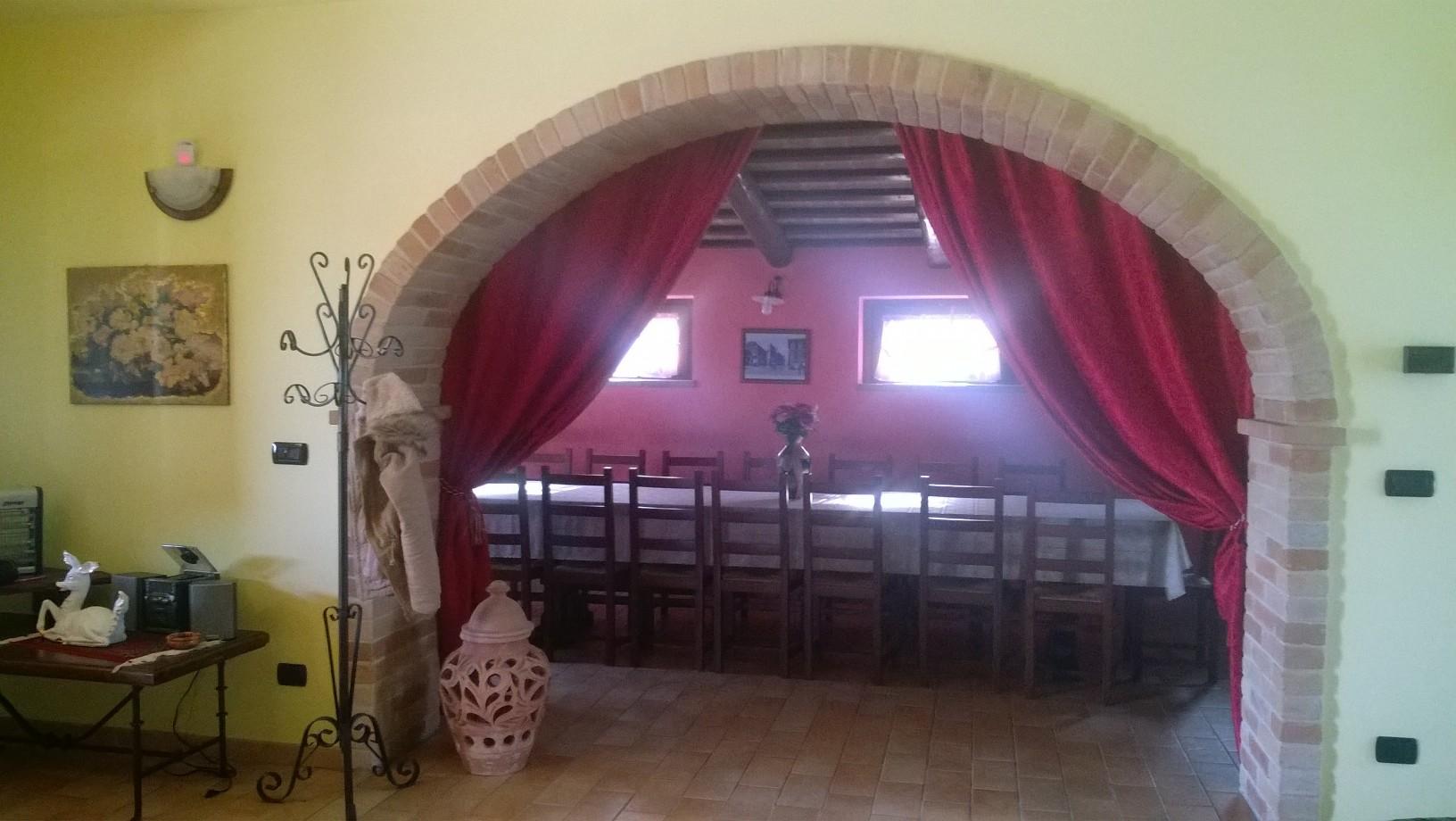 Casale in vendita a magliano di tenna re casa for Casa piano diviso
