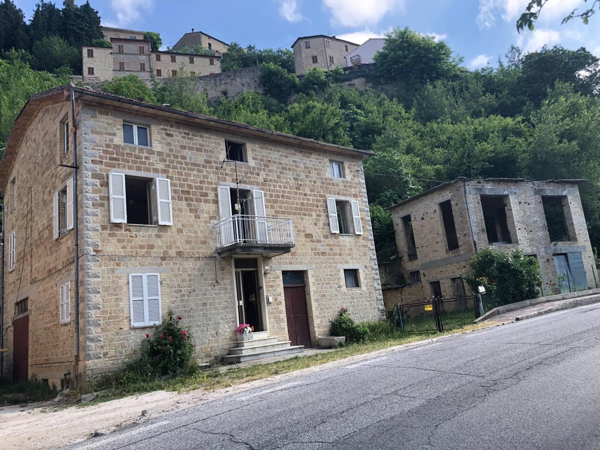 Casa Colonica in vendita a Penna San Giovanni - Re Casa